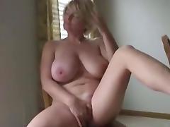 Milf masturbating to orgasm 1fuckdatecom