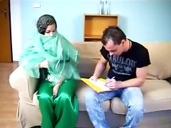 22 yr Iranian slut gets fucked!