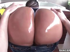 Sandra and Rianna gets fucked in the jacuzzi