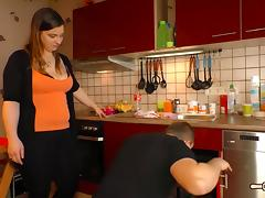 Hausfrau Ficken - Chubby alternative German housewife eats cum in naughty sex session