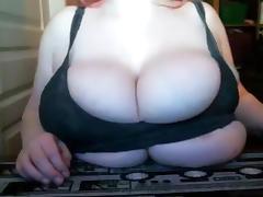 Baeutiful Massive Tits