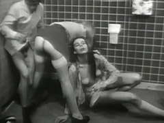 Gloryhole Mistress Enjoys the Action 1960