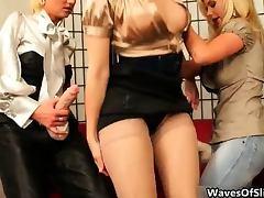Nerd brunette girl gets her pussy fucked