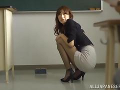 Tasty Ichika Kanhata Goes Hardcore In A College Classroom