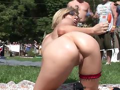 Unleashed bimbos posing in outdoor scenes